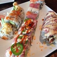 Photo prise au Sushi Love par Jennifer L. le6/22/2013