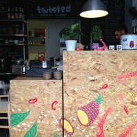 Foto tirada no(a) Twisted Street Kitchen por Manu T. em 3/14/2013