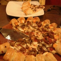 Photo taken at Pizza Hut by Rio T. on 9/28/2012