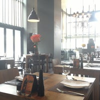 Photo taken at Chef's Note (셰프스노트) by Esther P. on 4/21/2013