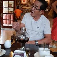 รูปภาพถ่ายที่ The Coffee โดย Rudy U. เมื่อ 8/31/2018