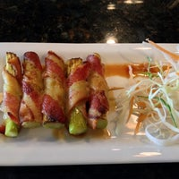 Photo taken at Araya Sushi Asian Grill by Dirty House E. on 6/26/2014