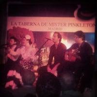 Photo taken at La Taberna de Mister Pinkleton by Bindi K. on 3/16/2014