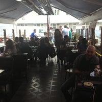 4/27/2013에 Savaş ö.님이 Phoenix Pub에서 찍은 사진
