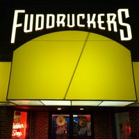 Photo taken at Fuddruckers by Sarah V. on 7/1/2013