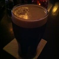 Foto tirada no(a) Claddagh Irish Pub por Todd B. em 11/29/2012