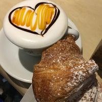Foto scattata a Caffè della Lirica da FlippeR il 2/10/2017