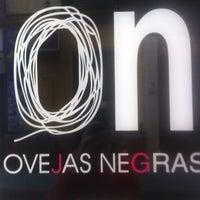 Foto tomada en Ovejas Negras por Samuel C. el 12/8/2012