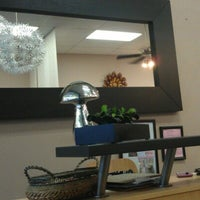 Photo taken at Split Endz Hair and Nails by Jeffrey Trent K. on 9/14/2012