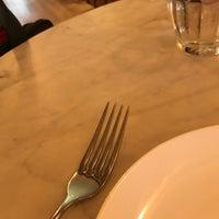 Снимок сделан в The East Pole - Kitchen & Bar пользователем David S. 1/22/2018