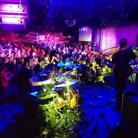 Photo prise au Brooklyn Bowl par Jay R. le3/22/2013
