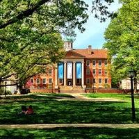 Foto diambil di University of North Carolina at Chapel Hill oleh Christopher B. pada 4/14/2013