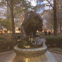 11/16/2013 tarihinde conrado125ziyaretçi tarafından Lion Crushing a Serpent'de çekilen fotoğraf