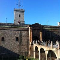 Photo taken at Castillo de Montjuic by Solimar G. on 2/5/2013