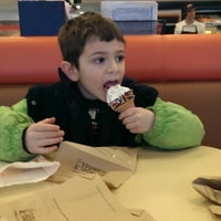 Photo taken at Dunkin Donuts & Baskin Robbins by Alice M. on 2/9/2014