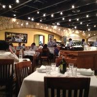 Photo taken at Romano's Macaroni Grill by Yacchy on 4/24/2013