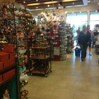 Photo taken at Pier 1 Imports by Yacchy on 11/9/2013