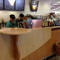 Photo taken at Starbucks by Yacchy on 3/4/2013