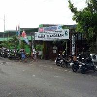 Photo taken at Pasar Klandasan by Ndaru S. on 3/2/2013