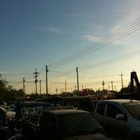 Photo taken at ตลาดนัดวัดโกรกกราก by CookieJoY🏁 on 12/22/2012