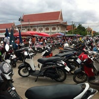 Photo taken at ตลาดนัดวัดโกรกกราก by CookieJoY🏁 on 8/21/2013
