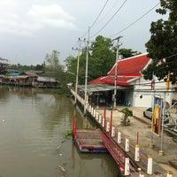Photo taken at วัดพระยาญาติ (ปากง่าม) by CookieJoY🏁 on 2/10/2013