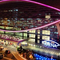 Photo taken at Mall of Asia Arena by Nika Tijing on 5/17/2013