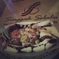 Photo taken at Restoran Singgah Selalu by MissFAO on 2/12/2013