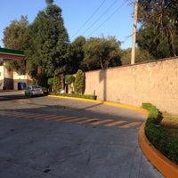 Photo taken at Gasolinera Servicio El Molino by Guillermo A. on 10/12/2015