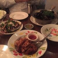 Foto tomada en Fish Cheeks por Ting T. el 2/24/2017