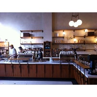 Photo prise au Sightglass Coffee par tkc09 le3/24/2014