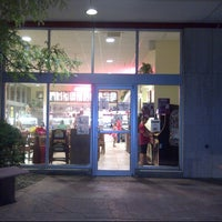 Photo taken at Carl's Ice Cream Factory by Rod M. on 8/16/2014