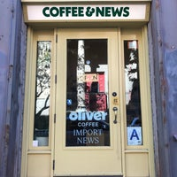Photo taken at Oliver Coffee by Andrew F. on 9/28/2017