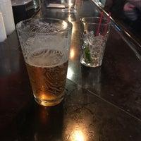 Das Foto wurde bei The SKINnY Bar & Lounge von Andrew F. am 4/11/2017 aufgenommen