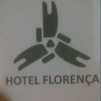 Foto tirada no(a) Hotel Florença por Junior M. em 9/24/2012