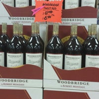 Photo taken at Pockets Discount Liquor by Antionette B. on 9/26/2013
