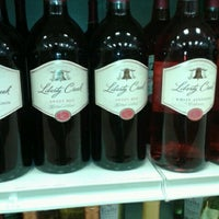 Photo taken at Pockets Discount Liquor by Antionette B. on 9/13/2013