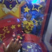 Photo taken at Chuck E. Cheese's by Sonya B. on 4/27/2013