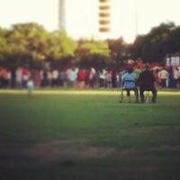 Снимок сделан в University of Santo Tomas Quad пользователем Dean Joseph D. 3/30/2013