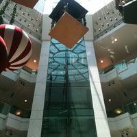 Photo taken at Shopping Leblon by Hernan J. on 12/31/2012