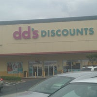 Photo taken at dd's DISCOUNTS by Estelle D. on 5/10/2014