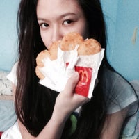 Photo taken at McDonald's by Naoimi Christy U. on 3/25/2015