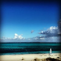 Photo taken at Gansevoort Turks & Caicos by Carlos P. on 12/5/2012