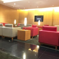 Photo taken at Cathay Pacific First and Business Class Lounge by Kathia on 11/23/2016