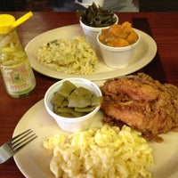 Photo taken at Carver's Country Kitchen by Ellie Y. on 9/14/2012