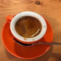 Photo taken at Limestone Coffee Company by Yaron Z. on 8/5/2017