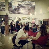 Photo taken at Street Hair - Cabelo e Estética by William A. on 11/3/2012