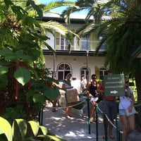 Photo taken at Ernest Hemingway Home & Museum by Osamu 隊. on 10/31/2013