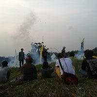 Photo taken at Adu bedug & petasan by Ryo J. on 8/21/2013