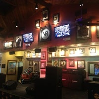 Photo taken at Hard Rock Cafe Maui by Genych on 1/3/2013